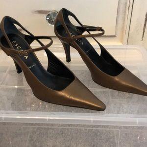 Beautiful Escada sling back heels